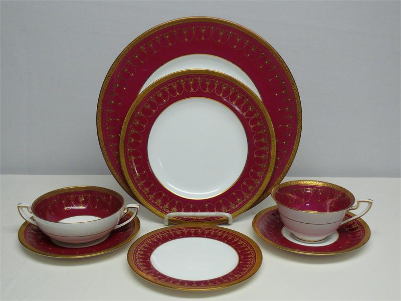 Royal Worcester Dinner Service For 16 Rich Red Amp Raised Gold